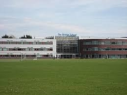 Britse School in Voorschoten helpt opnieuw de Voedselbank in Voorschoten